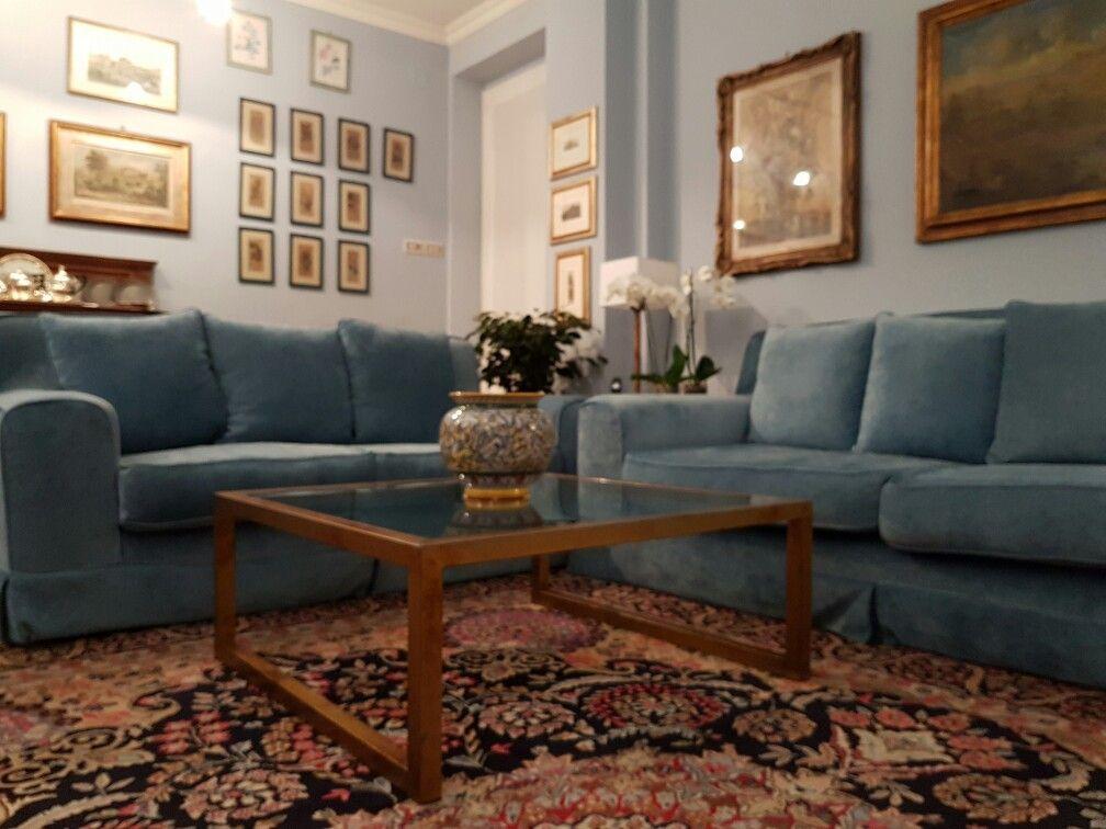 Divano Ferro ~ Salotto con divani in velluto celeste tavolino in ferro e