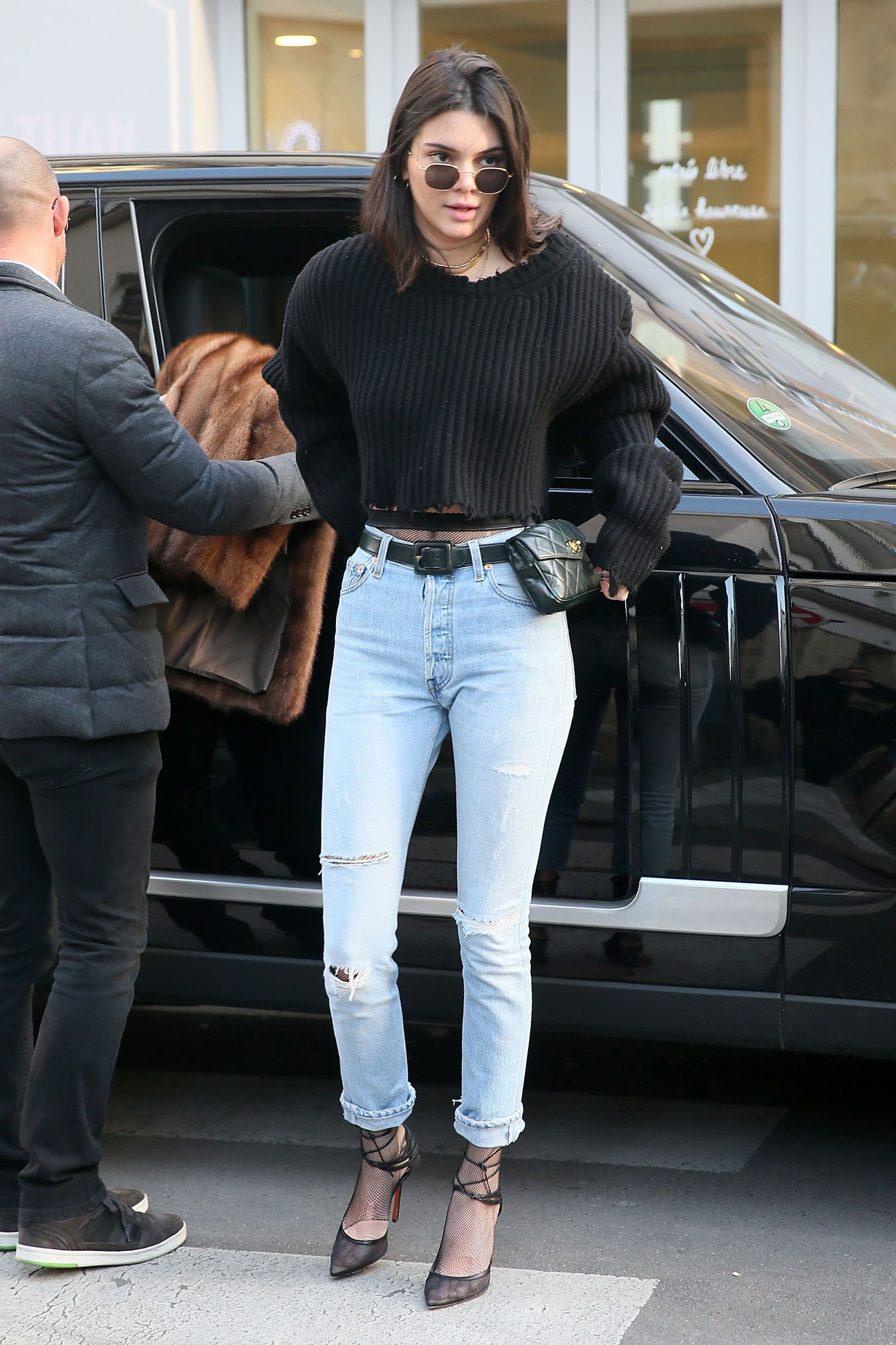 65b783163acaa7 Kendall Jenner Rocking A Retro Nineties Bum Bag Is Our New Fashion Obsession