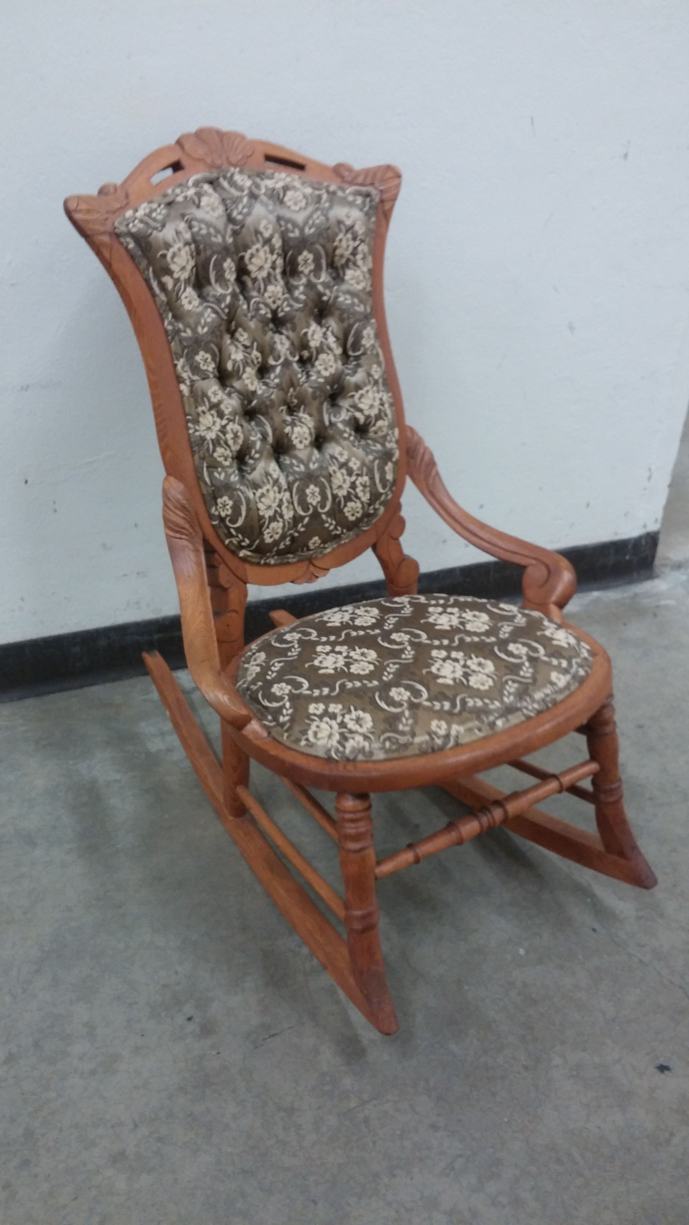 Small Rocking Chairs Desk Chair Cushion Staples Olive Green Throne Room Arm