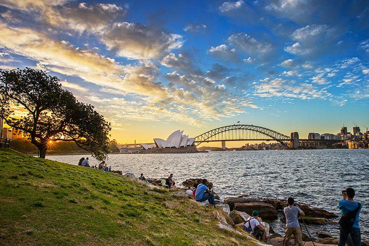285116089c944e3a730f43e1dc562883 - Sydney Opera House To Botanic Gardens Walk