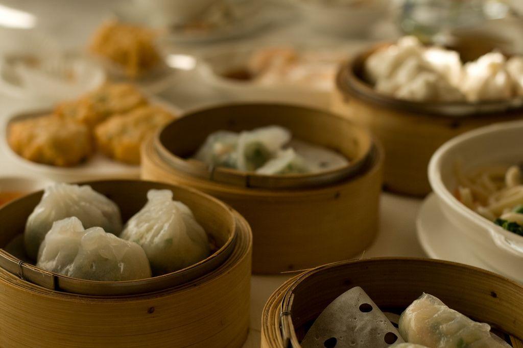 6 Things You Should Know Before Eating Dim Sum In Hong Kong Eat Food Dim Sum