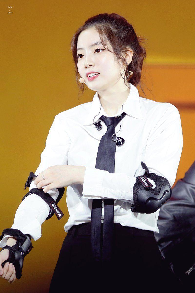 Pin By Blinks Power On Twice Kpop Girls Twice Dahyun Twice