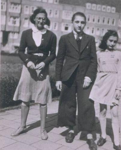 Margot, Anne and an unidentified boy.