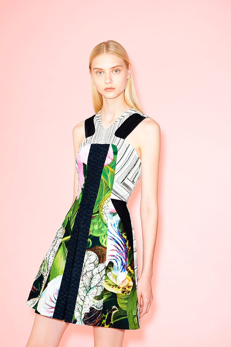 Lookbook: Prints florales en caleidoscopio para un look #Cruise2014 de Peter Pilotto // http://www.vogue.mx/desfiles/crucero-2013-2014-nueva-york-peter-pilotto/6999