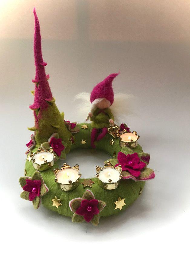Adventskranz mit 4 Teelichthalter,gefilzten Blumen,Elf und eine ...