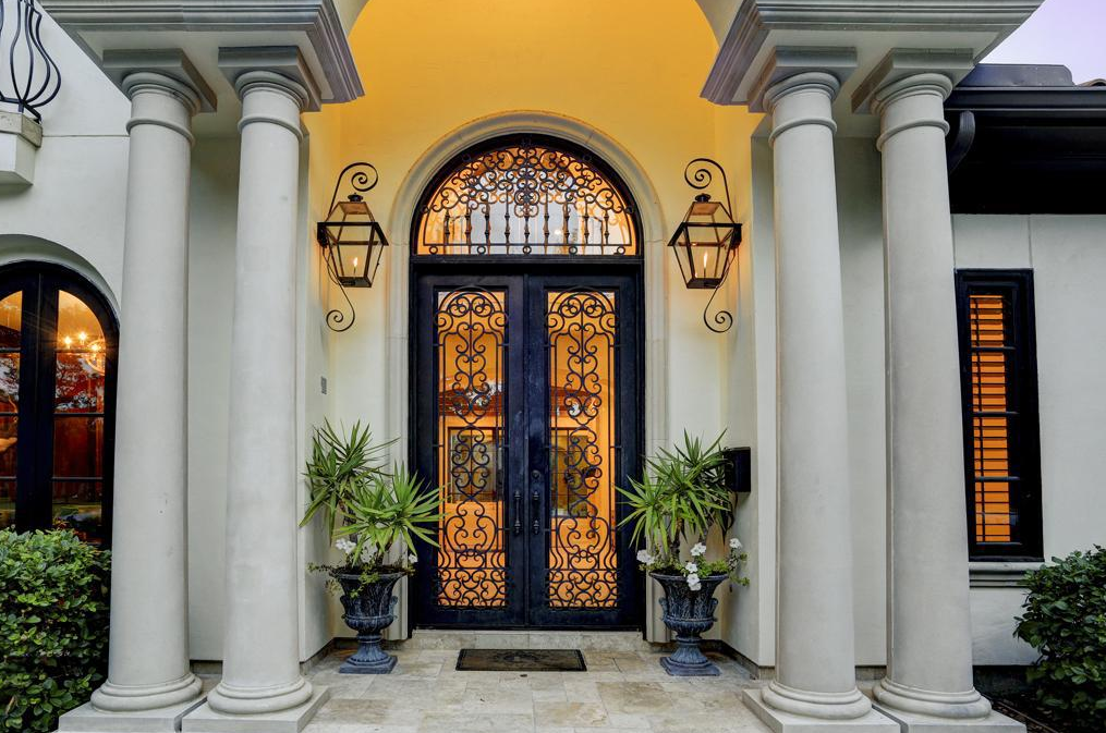 4 195 Million Newly Listed Mediterranean Mansion In Houston Tx Mediterranean Style Homes Mansions Luxury Luxury Homes