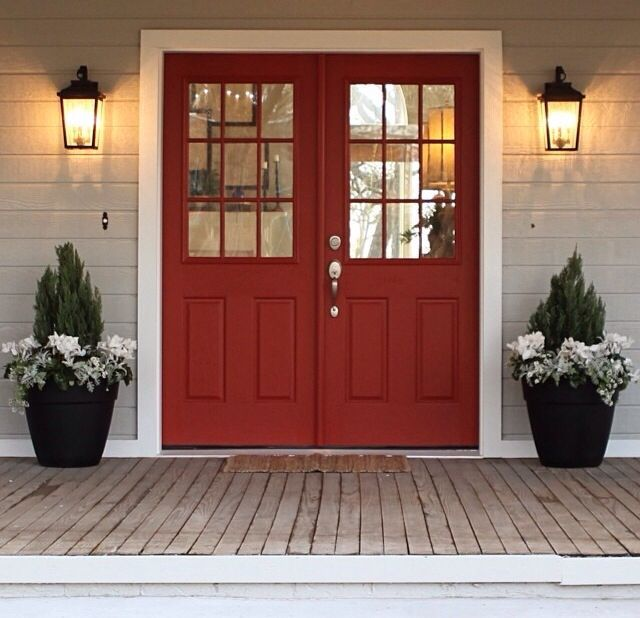 Porch from joanna gaines from fixer upper decoration for Door upper design