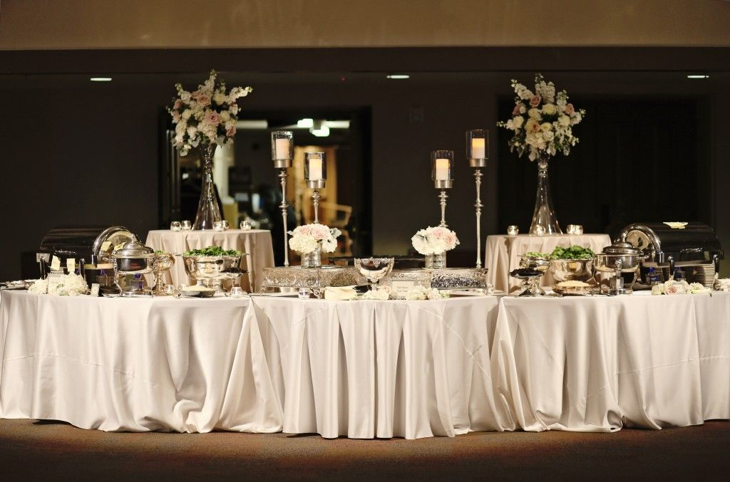 Elegant food buffet set up the riley center meridian ms for Ensemble table buffet
