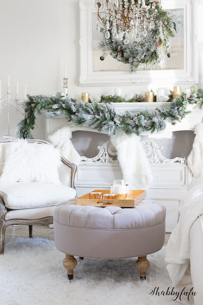 Elegant and Simple Christmas Living Room in White | Christmas living ...