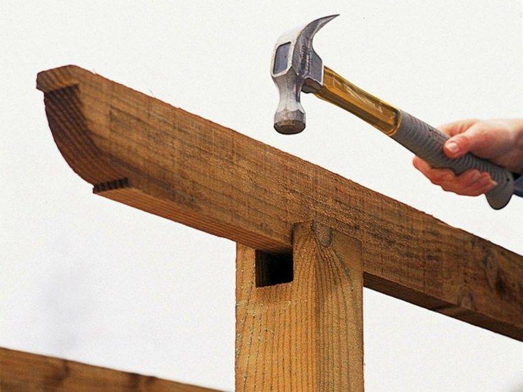 Instalar postes para una pérgola de jardín – pasos fáciles