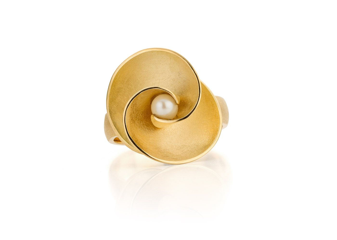 Volute Ring 18 Carat Gold And Pearl Made By Atelier Luz