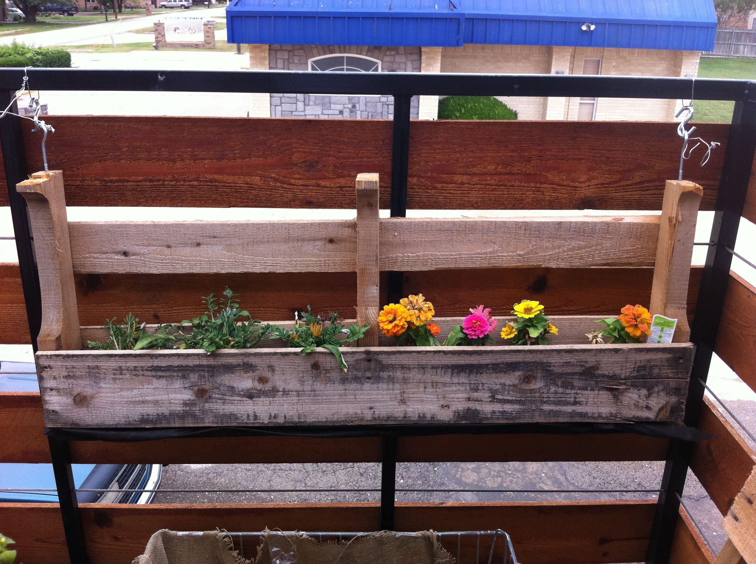 Diy flower box diy wood planters hanging planter boxes