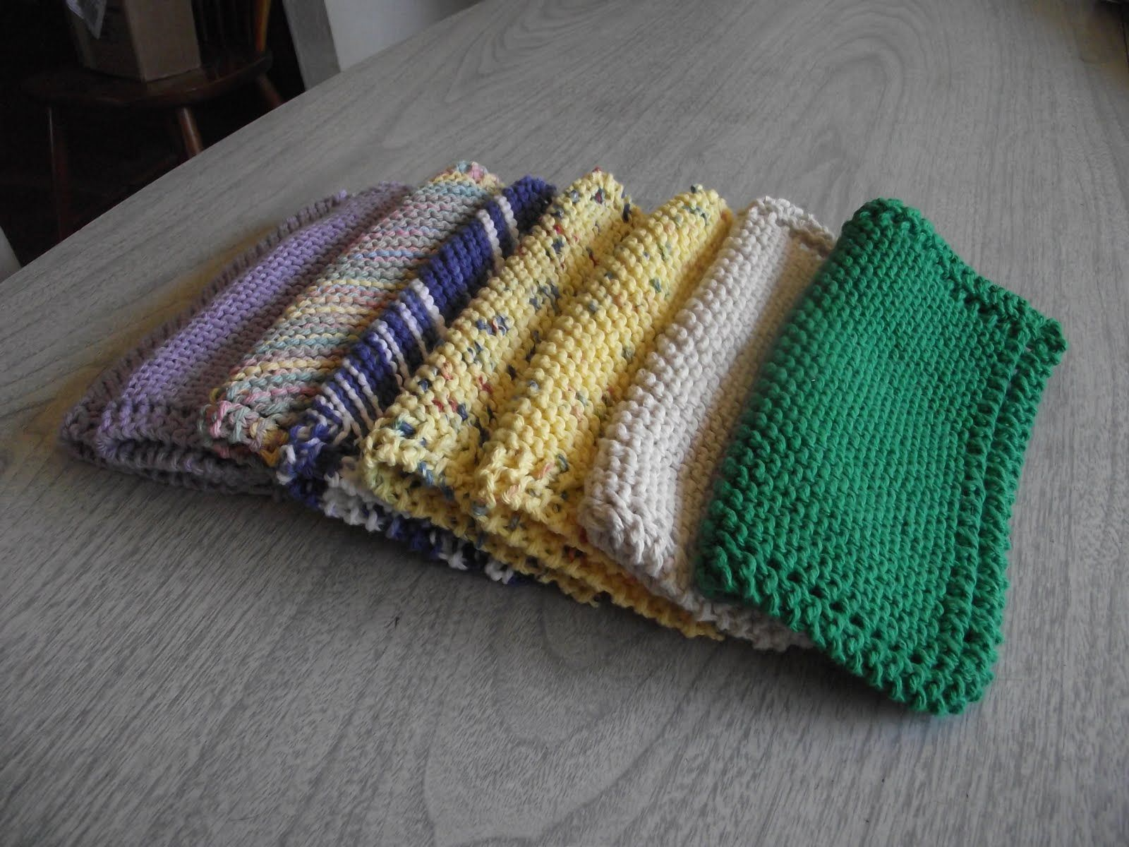 hand knit dishcloth pattern Pattern and Tutorial/ These are ...