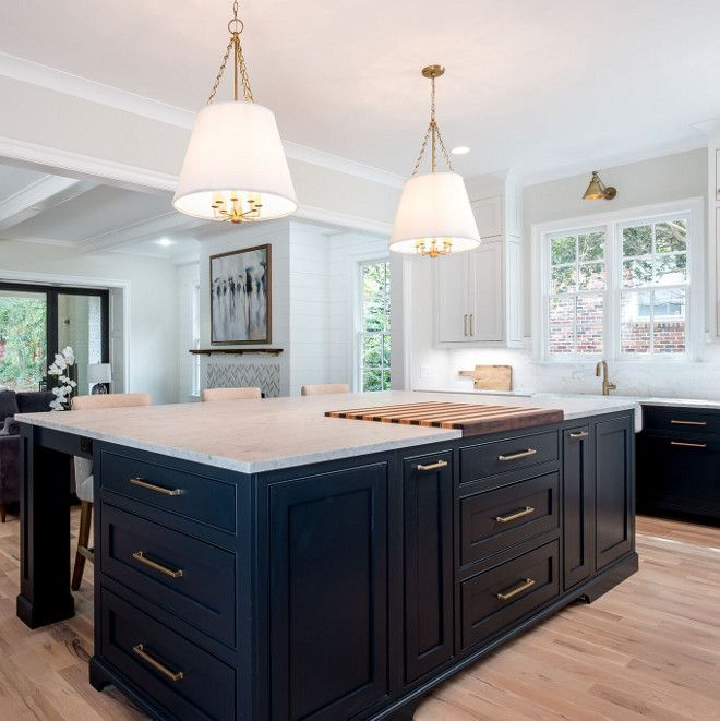 White Kitchen Cabinets Vs Dark: Sooth By Benjamin Moore Kitchen Island Sooth By Benjamin