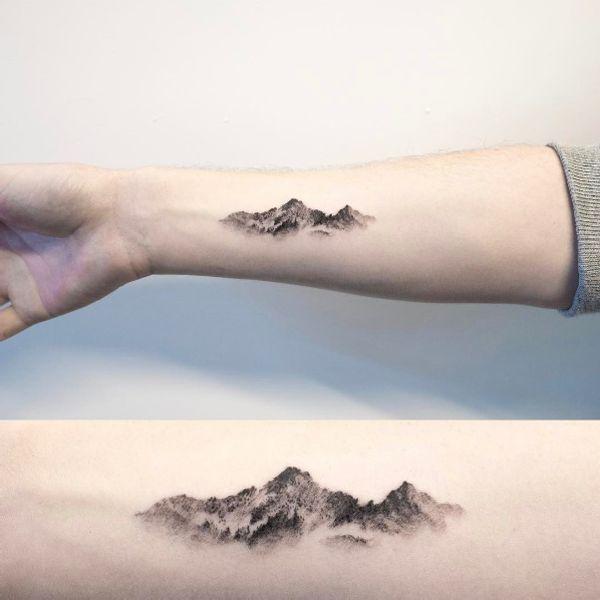 40 mountain tattoos gestein tattoo motive und erde. Black Bedroom Furniture Sets. Home Design Ideas