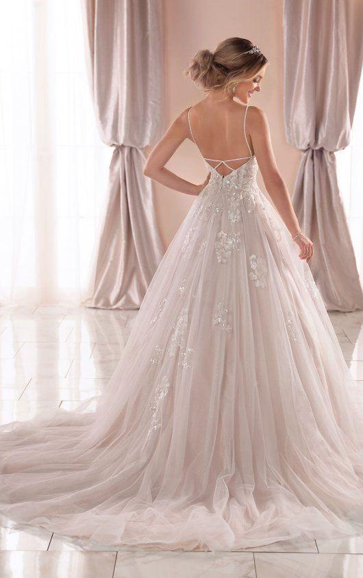 Photo of Schillerndes Brautkleid mit Glitzertüll – Stella York Wedding Dresses