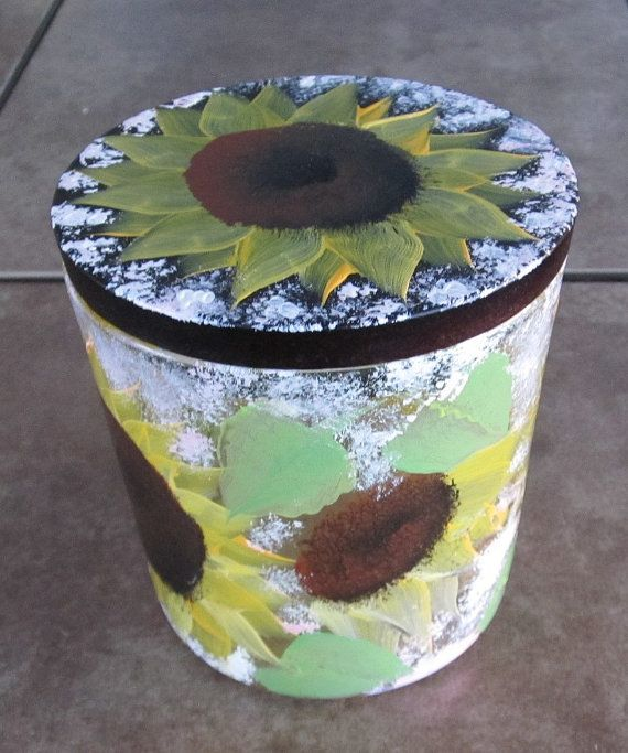 Sunflower Dish with lid hand painted van ingeborgsorgent op Etsy