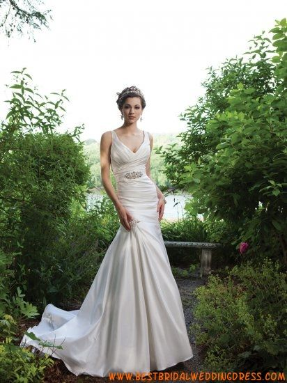 2011 Slim V-Neck Beaded Satin Wedding Dress
