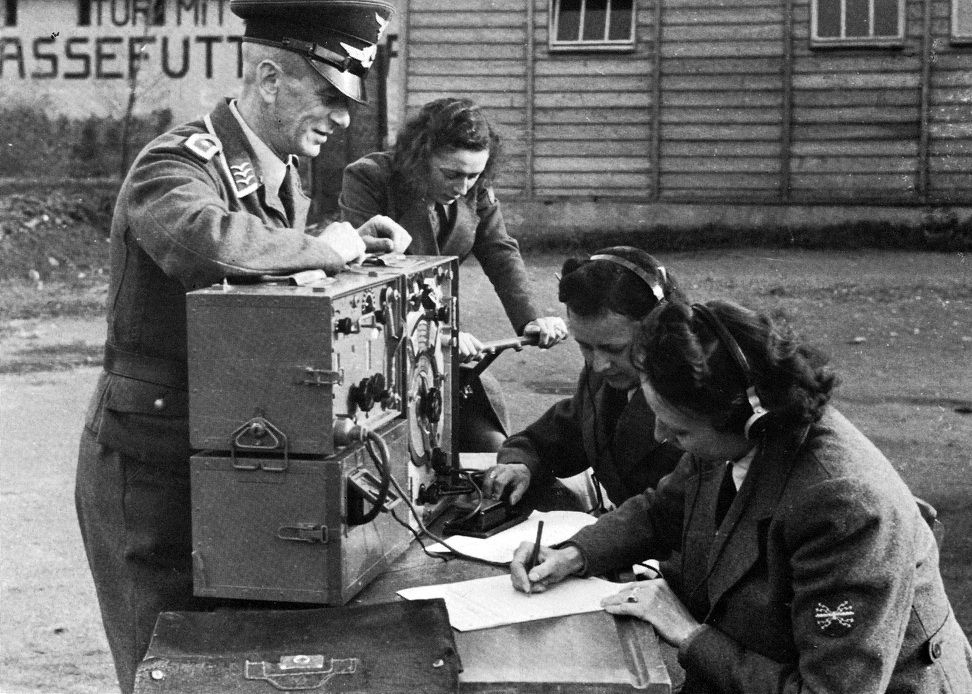 Image result for ww2 german radio