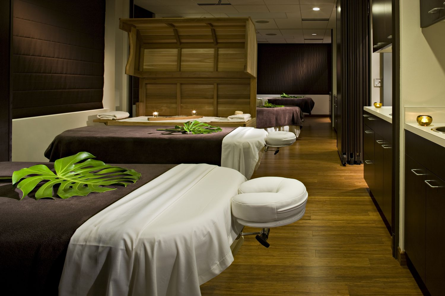 17 Best images about SPA - Therapy room on Pinterest  Facial room