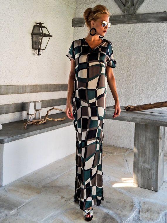 Maxi Satinkleid Kaftan   Sommer Kaftan   Assymetrischer Plus Size Kleid    Übergröße lose Kleid   d6fa42ee9a