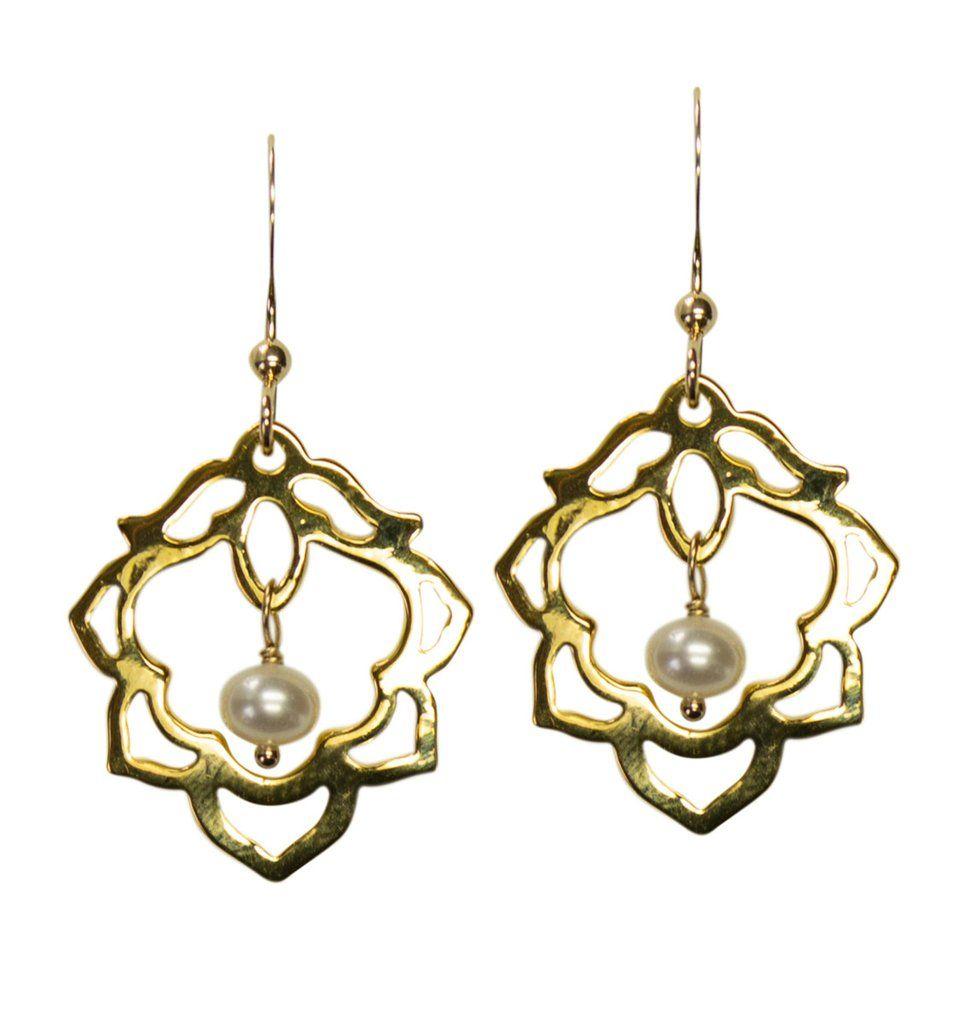 f6ef02735 Elizabeth earrings worn on When Calls The Heart and Aurora Teagarden  Mysteries.