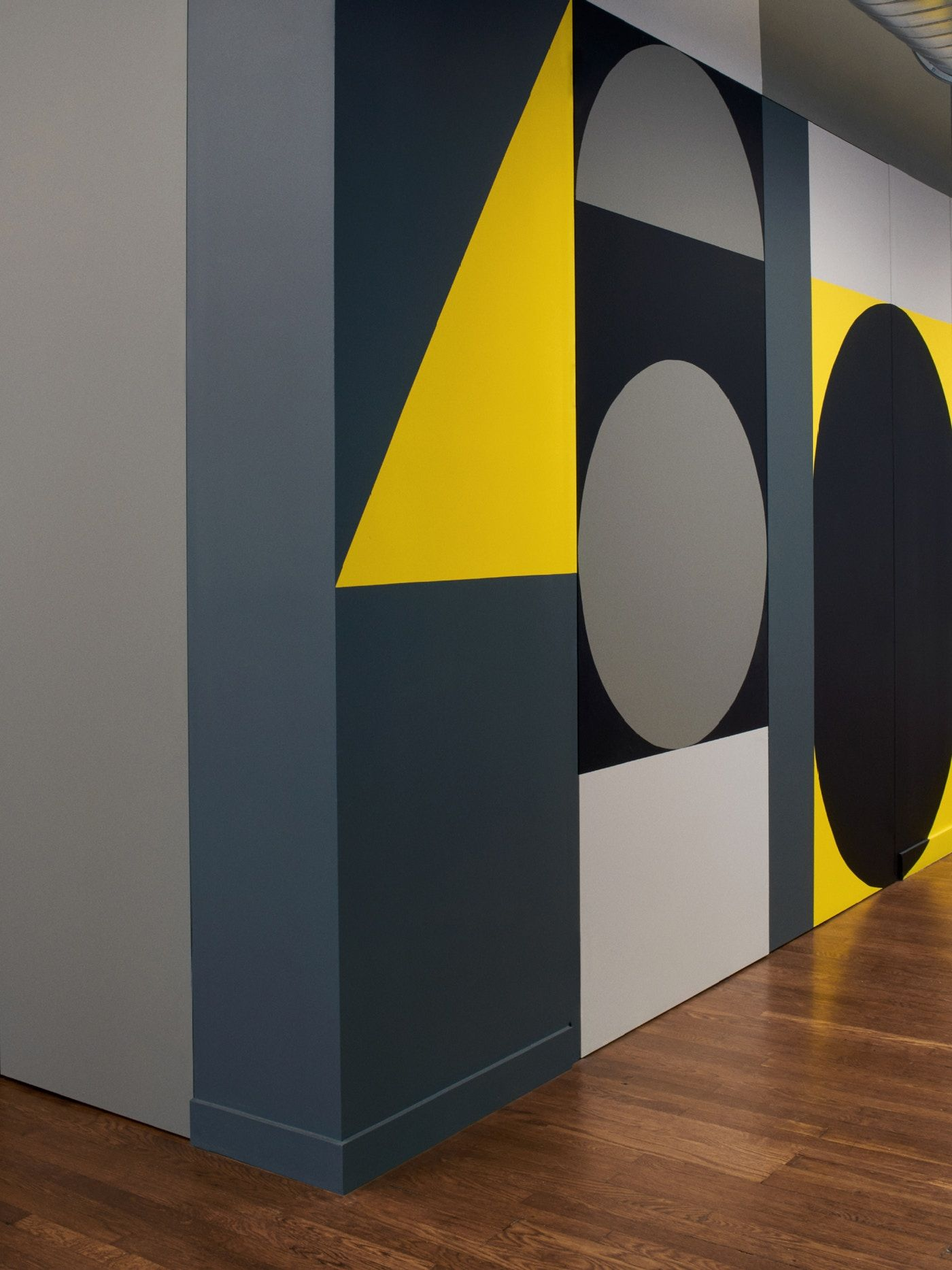 605 Collins Geometric Wall Paint Designs