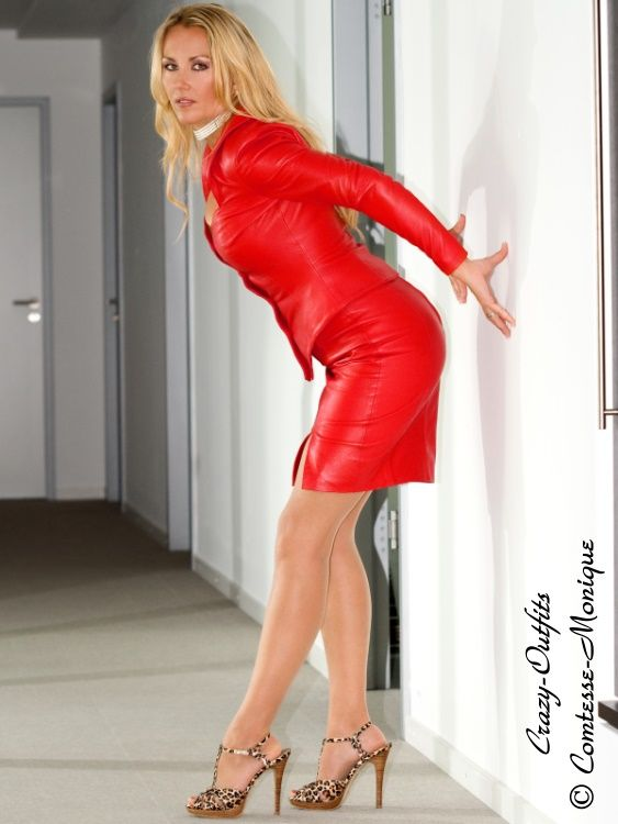 Comtesse-Monique: red leather skirt suit at the office http://www ...