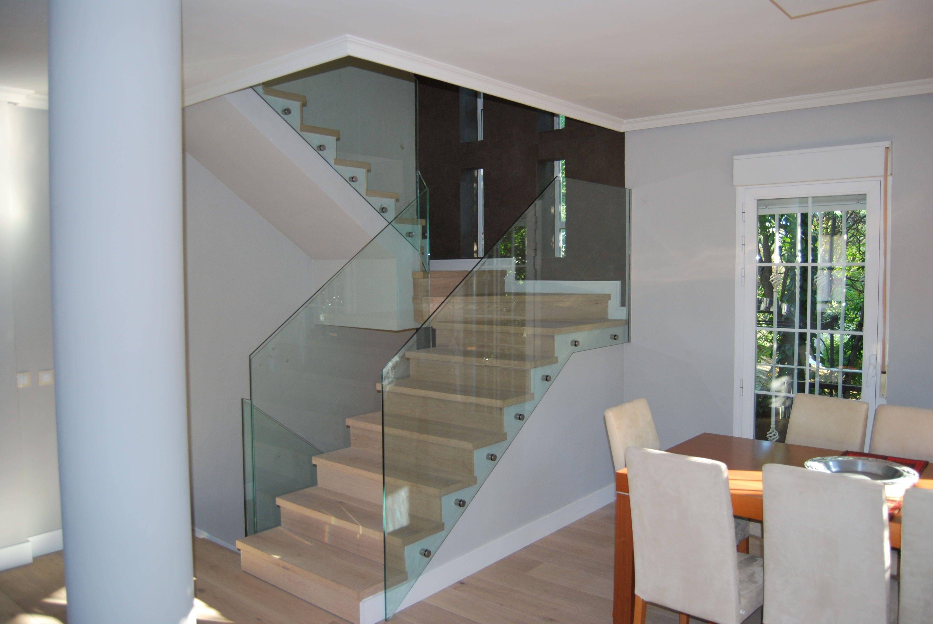 Resultat d 39 imatges de barandas escaleras modernas con - Barandillas escaleras modernas ...