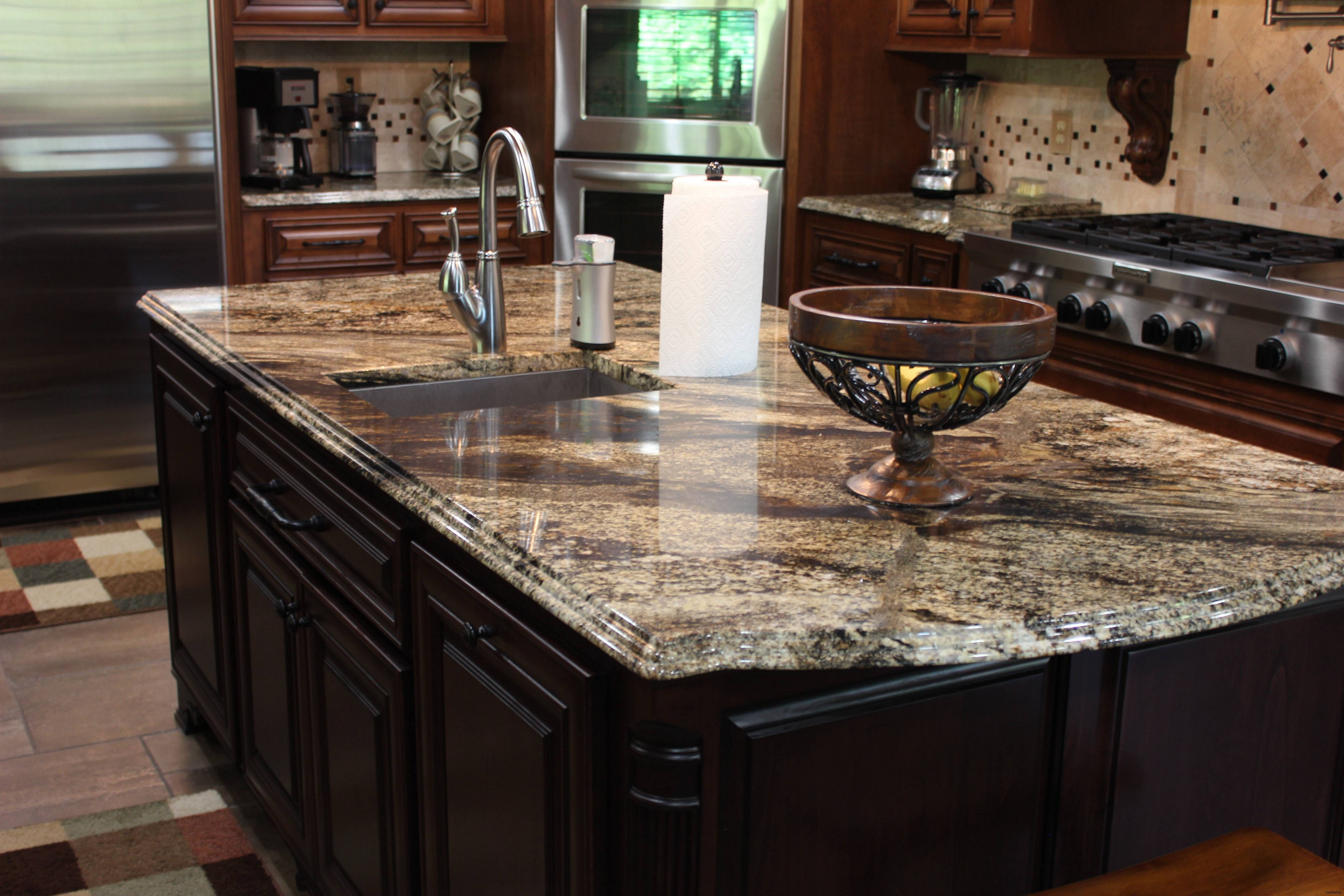 15 Small Kitchen Granite Countertop Design You Need to Try ...
