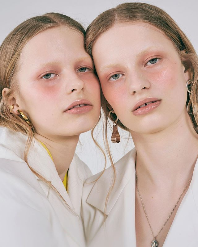 Twinning schonmagazine.com/double/ photography. @emmagrann @studiofemme.se fashion. @martinaaxtelius models. Nike N Ella N @lemanagement hair make up. @josephinegolan_ retouch. @astridlindroos #SchonMagazine #fashioneditorial #fashion #beauty #OnlineExclusive #makeup #beautiful #photooftheday #instafashion #inspiration #pic #picture #love #instagood #happy #style #photography #womenswear