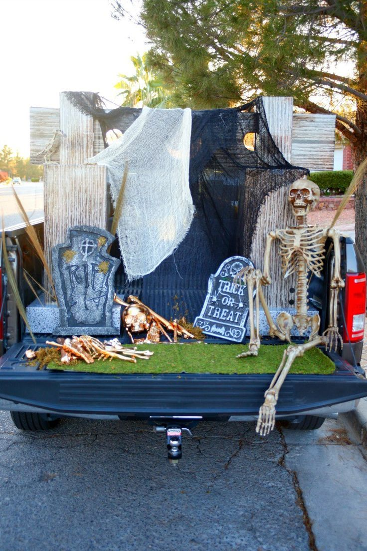 wonderful Decorate Truck Bed Halloween Part - 14: Get ready to Trunk or Treat with this Glam Cemetery Truck bed set up and a  Trunk or Treat blog hop with 12 awesome bloggers [sponsored]