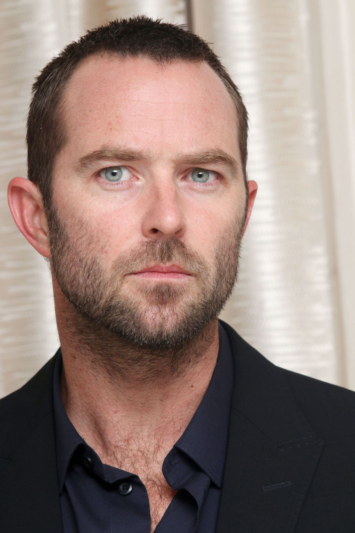 sullivan stapleton fansite
