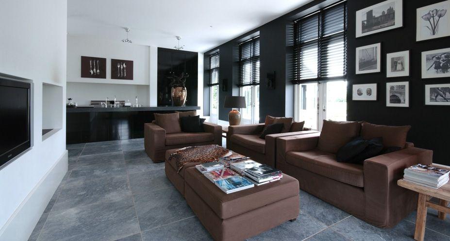 landelijk wonen met kleur met donkere meubels  Google