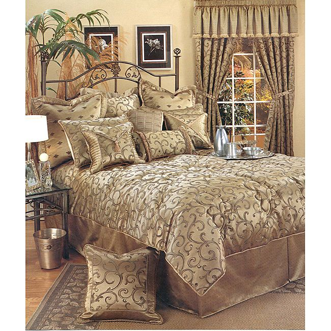 Incredibly elegant, this Sherry Kline Bellagio queen comforter set will transform an ordinary bedroom into a stunning suite. This designer bedding set includes a luxurious comforter, a bedskirt, two shams, a boudoir pillow, and a square toss pillow.