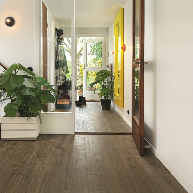 High Quality Laminate Flooring | Pergo Sensation | Farmhouse Oak