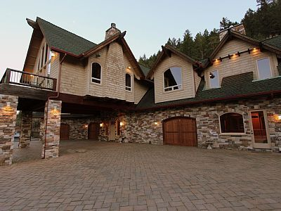 4 BR Southern Oregon Chateau / Country House Moonstruck Manor in OR, Exquisite 5900 Sq Ft Manor on 25 Acre Estate~Sleeps 12~Sweeping Panoramic Views