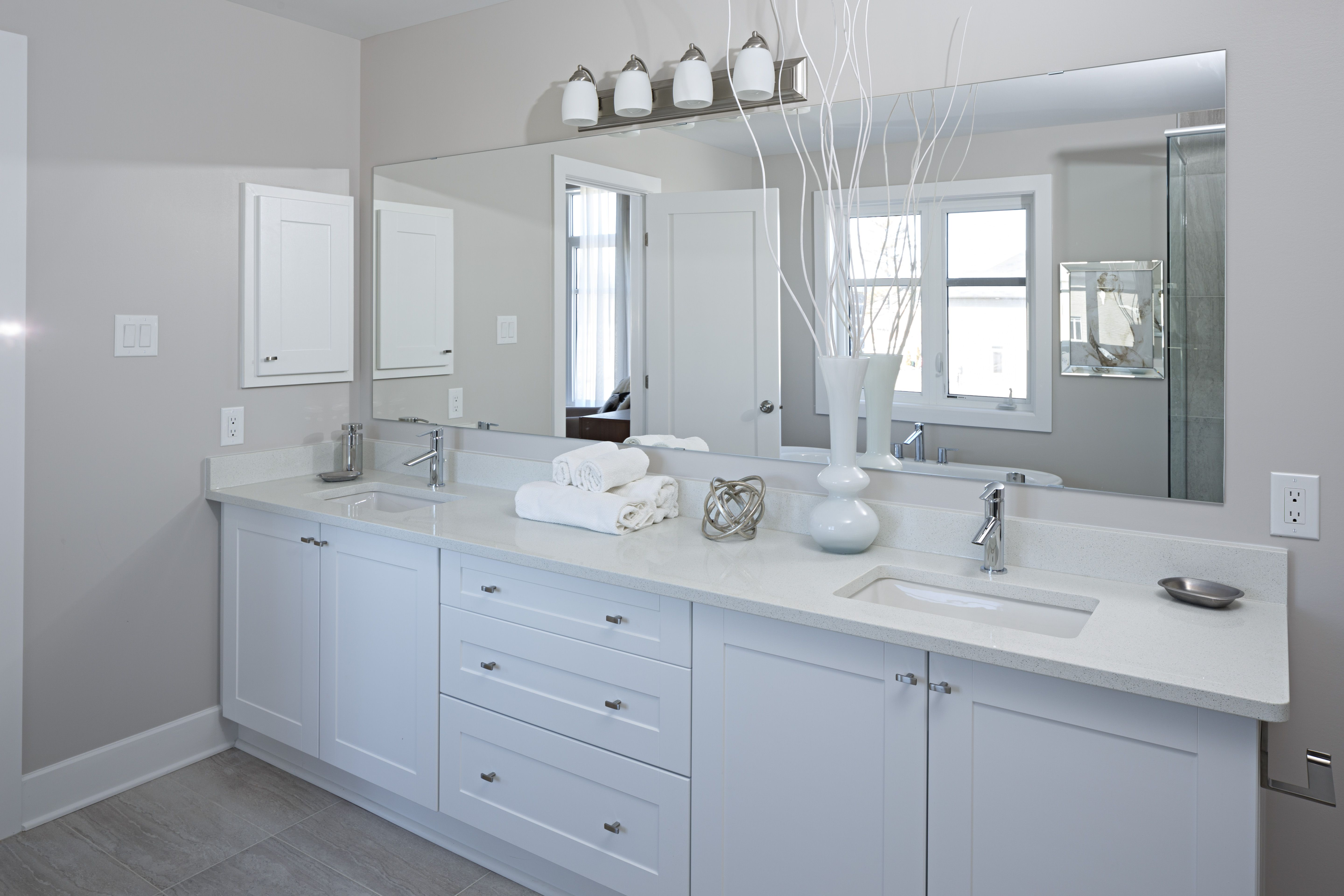 White ensuite bathroom design in the GREENWICH Single Home Model ...