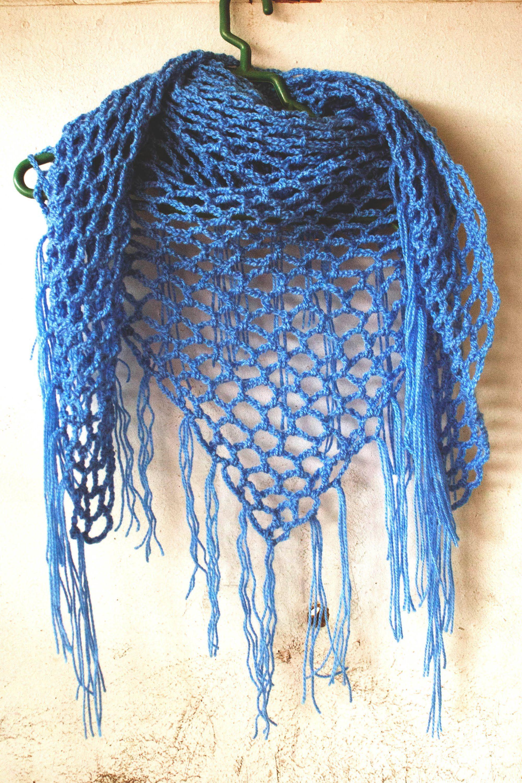 how to crochet triangle scarf - seems easy   Crochet   Pinterest ...