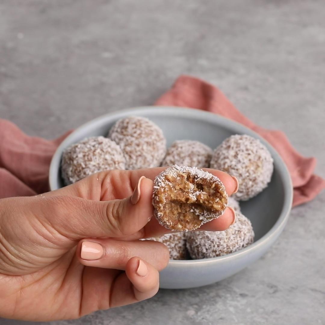 Coconut Date Balls