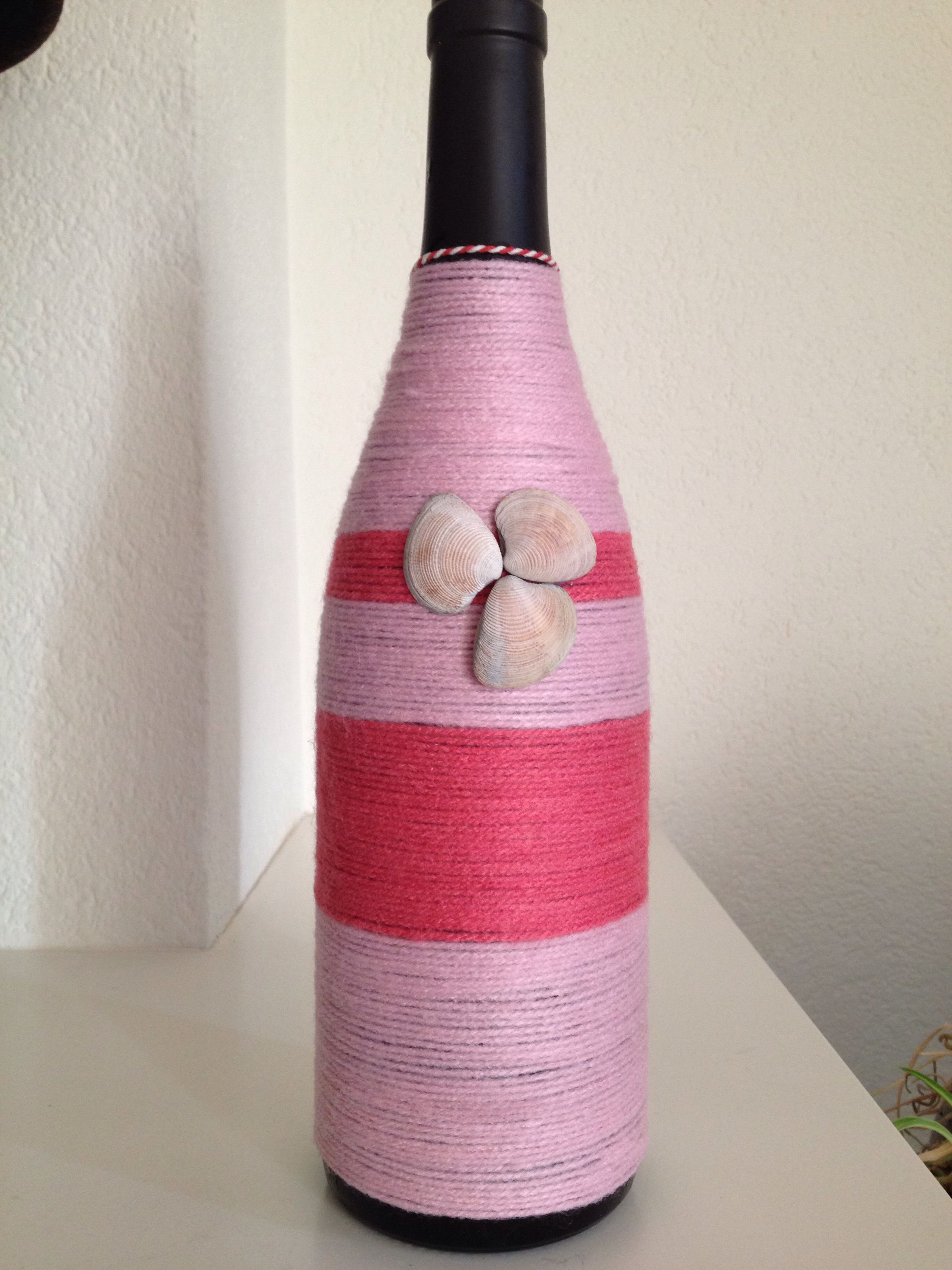 Een Wijnfles Met Wol Simpel Met Een Leuk Resultaat Bottles Decoration Wine Bottle Bottle