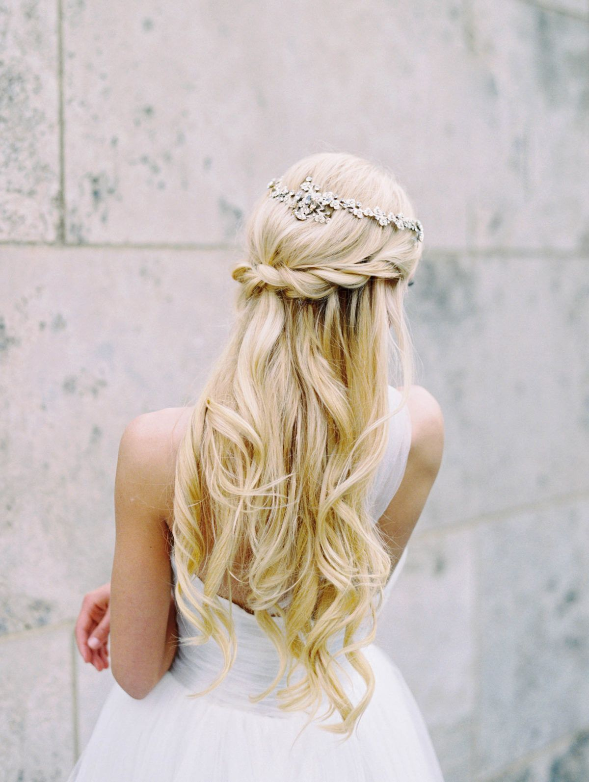 the 9 most loved, on trend bridal hairstyles for 2018 in