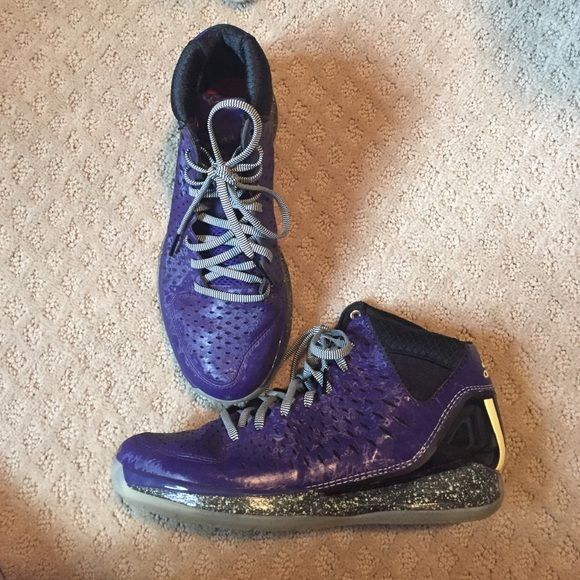 derrick rosed rose 3 nightmare before christmas youth size 7 womens 8 85 barely worn glow in the dark on sole and heel sole is clean and has good