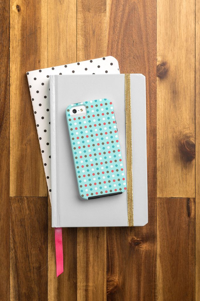 Easy way to make your phone festive for the season! #iphone6case #phoneaccessories
