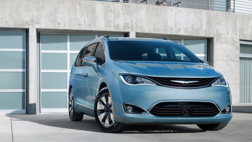 What Car Experts Say About The 2017 Chrysler Pacifica Chrysler