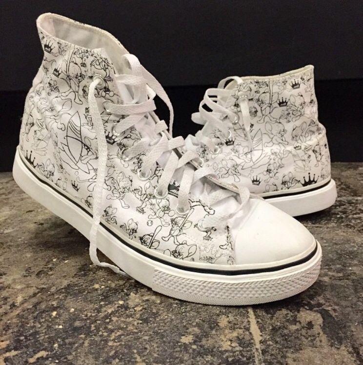 c85d1a08c99c3 Mens Tom   Jerry Hightop Sneakers
