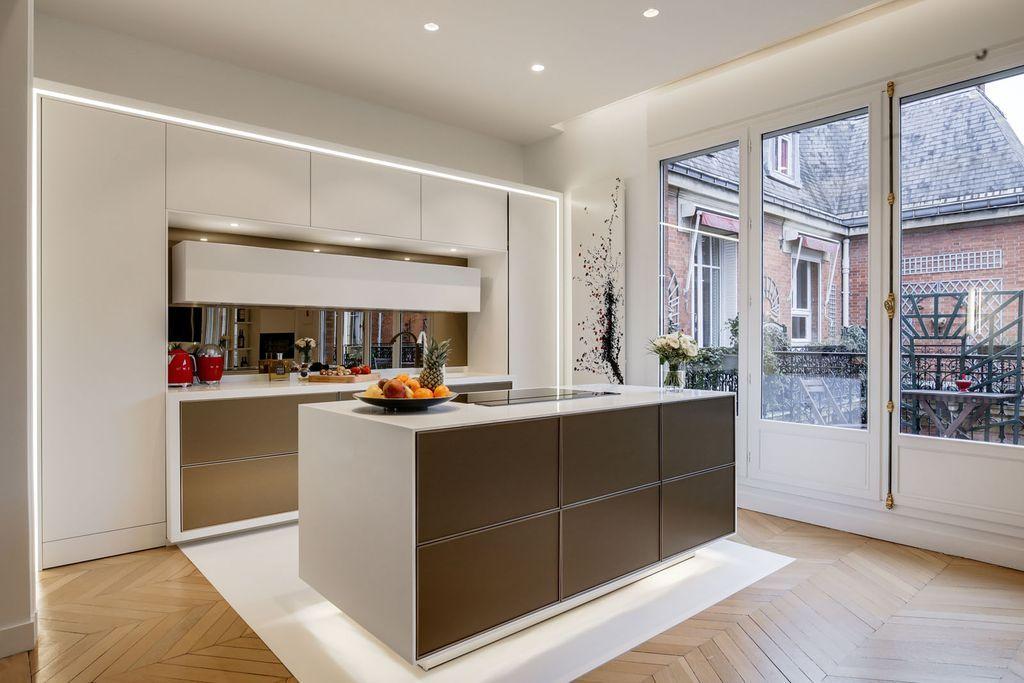 Cuisine Ouverte Design De Luxe Dans Un Appartement