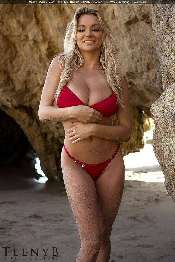Lindsey pelas in bikini 7 Photos new foto