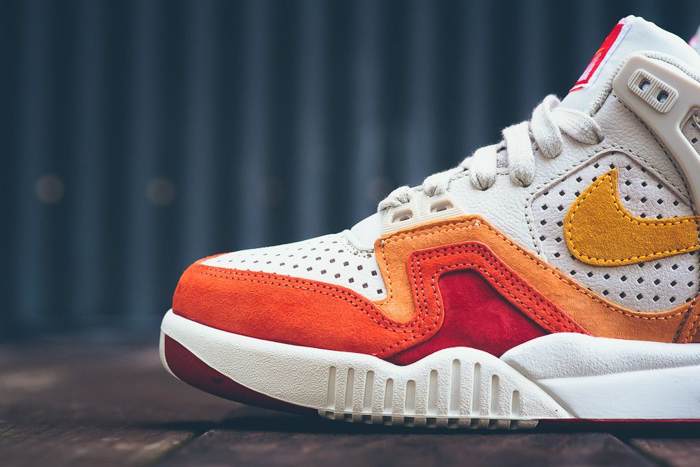 Nike_Air_tech_challenge_II_QS_667444_404_667444_Sneaker