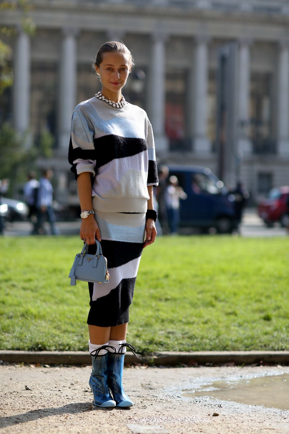 tres chic two piece. #DariaShapovalova in Paris.